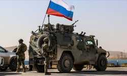 هي الأولى من نوعها.. قوات روسية تقطع طريق دورية أمريكية شمال شرقي سوريا