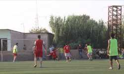 سوريون يلعبون كرة القدم في أخطر مدن العالم