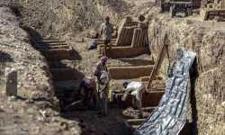 مقابر عمودية في دوما المحاصرة لاستيعاب الموتى