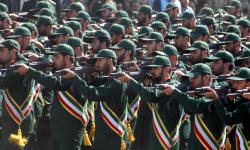 إيران تجند عشرات الآلاف من المقاتلين الشيعة الأفغان للانضمام  إلى وحداتها التي تحارب في سوريا وتمنحهم رواتب شهرية