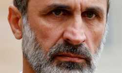 الأسد يُسدِّد كرة خطرة في مرمى المعارضة